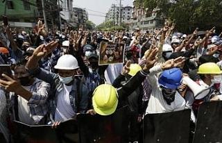 """BM: """"Myanmar'daki protestolarda en az 18 kişi..."""
