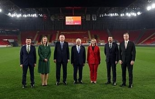 Cumhurbaşkanı Erdoğan İzmir'de yeşil sahaya...