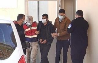 DEAŞ'lı 3 terörist, Suriye sınırında patlayıcılarla...