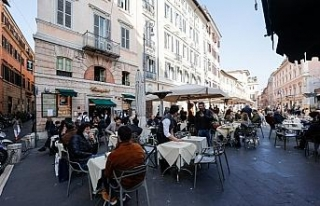 İtalya'da son 24 saatte 17 bin 455 yeni vaka