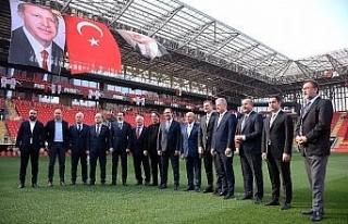 İzmir kulüpleri tüm Türkiye'ye örnek oldu