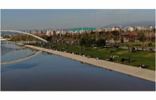 Bursa'da havayı güzel gören vatandaşlar açık...
