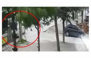 Bursa'da önünde seyir halinde olan otomobile...