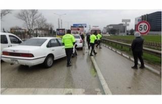 Bursa'da zincirleme kaza korkuttu, trafik kilitlendi