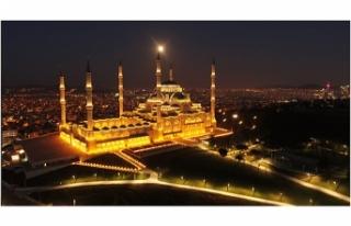 İstanbul'da 'Süper Solucan Ay' manzarası