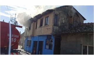 Bursa'da ev yangınında facia önlendi