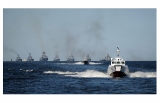 Karadeniz ısınıyor: Rus savaş gemileri tatbikata...