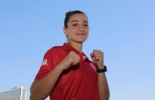 Buse Naz Çakıroğlu gümüş madalya aldı