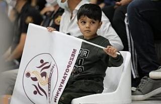 5 yaşındaki Muhammet protez bacağına kavuştu...