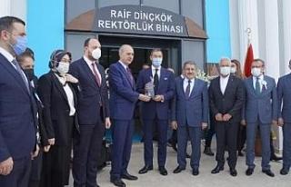 Akkök Holding'den eğitime destek