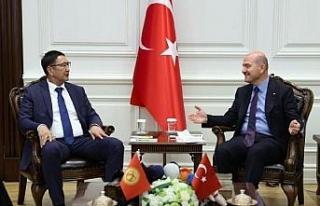 Bakan Soylu, Kırgızistan Acil Durumlar Bakanı Azikeev'i...