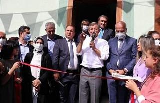 Davutoğlu, Ağrı'da partisinin il başkanlığını...