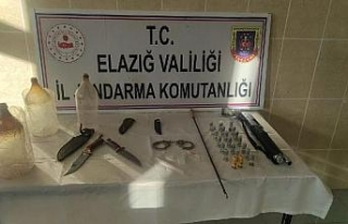 Elazığ'da jandarma operasyonu; ruhsatsız silah...