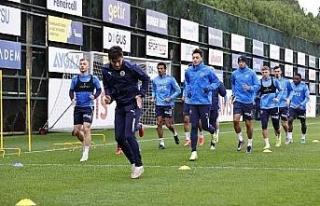 Fenerbahçe'de Tisserand takımla çalıştı