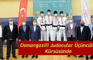 Osmangazili Judocular Üçüncülük Kürsüsünde