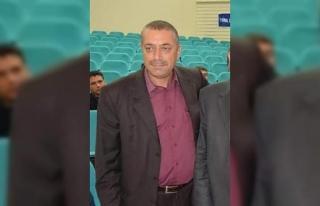 Tarsus'ta, MHP ilçe sekreterinin aracına silahlı...