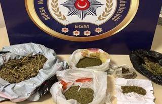 Polis'ten uyuşturucu operasyonu :4 Gözaltı