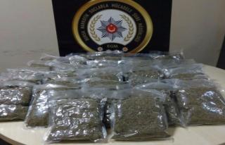 Bursa polisi uyuşturucu baronlarına göz açtırmadı