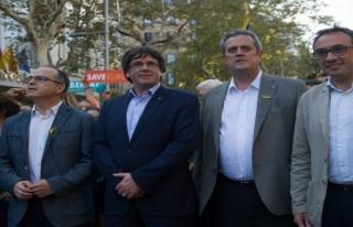 İspanya hükümetine tepkiler büyüyor