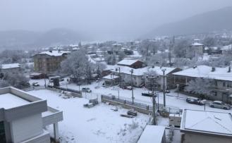 Büyükorhan'a kar yağdı...