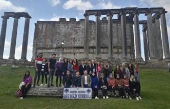 DPÜ öğrencileri Aizanoi'de