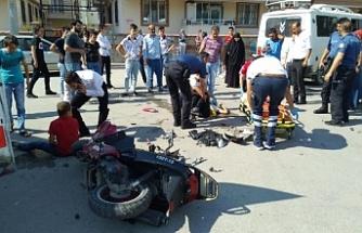 Bursa'da minibüs ile motosiklet çarpıştı!