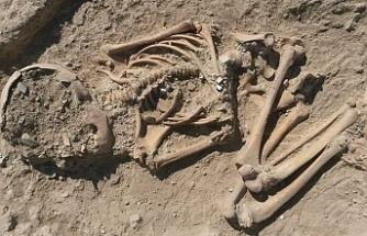 5 bin 700 yıllık çocuk iskeleti bulundu