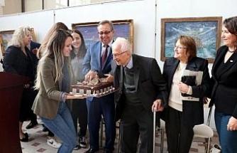 Edirneli ressam 89'uncu yaşını sergide kutladı