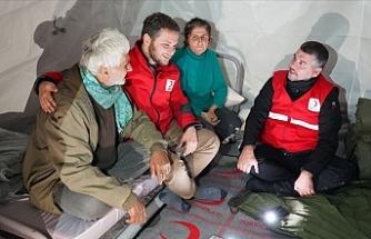 Türk Kızılay, depremzede ailenin yardımına koştu