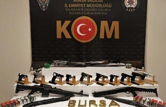 Bursa'da silah kaçakçılarına büyük vurgun