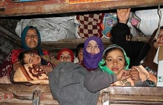 İHH'dan göç yolundaki ailelere yardım