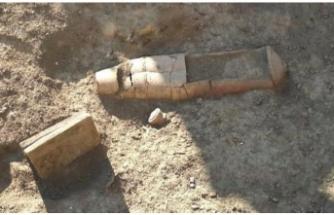 Tarsus'ta 'torpido' mezar bulundu