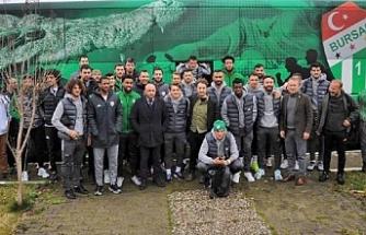 Bursaspor'a basketbol takımı oyuncularından uğurlama