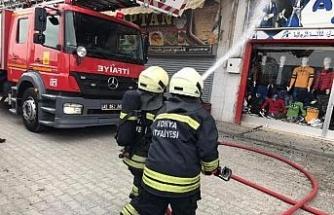Konya'da, apartmanda depo yangını