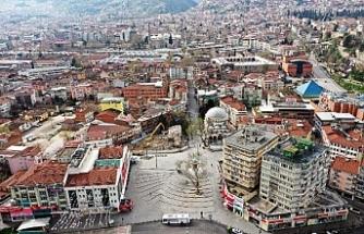 Bursa'da cadde ve meydanlar boş kaldı