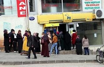 Gaziantep'te 'sosyal mesafe'siz kuyruk