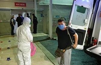 Anneleri koronavirüse yakalanan Türk aile, Mısır'dan ambulans uçakla getirildi