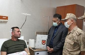 Bitlis Valisi Çağatay, yaralı askerleri ziyaret etti