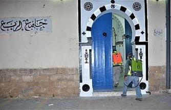 Tunus'ta camiler yarın açılıyor