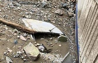 Artvin'de sel; 1 kişi öldü, 3 kayıp aranıyor/ Ek fotoğraflar