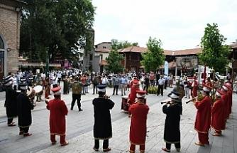 Bursa'da Ayasofya'nın ibadete açılması mehteran ile kutlandı
