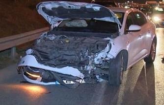 Gaziosmanpaşa'da yan yatan minibüsten sürücü yara almadan kurtuldu