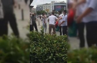Kadıköy'de kadına laf atan kişiye dayak