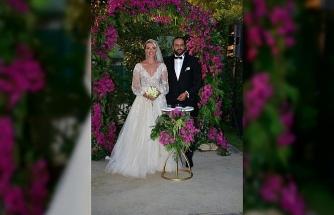 Sunucu Cansu Canan Özgen, Bodrum'da evlendi