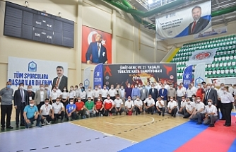 Türkiye Karate Şampiyonası Yıldırım'da yapıldı