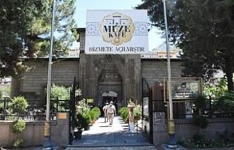 700 yıllık tarihi mekan hem müze hem de kafe olarak hizmet veriyor