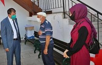 Babasının okutmak istemediği Mihriban'a, dedesi sahip çıktı