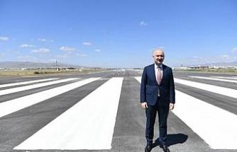 Bakan Karaismailoğlu, bayramdaki yolcu ve araç rakamlarını açıkladı