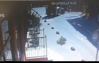 Beyoğlu'nda iş makinası kadına çarptı; O anlar kamerada