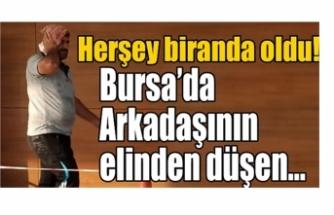 Bursa'da arkadaşının elinden düşen kürek başına isabet etti